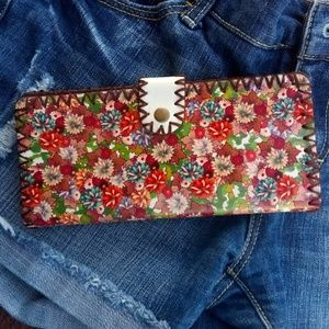Vintage leather wallet... hand carved hand painted